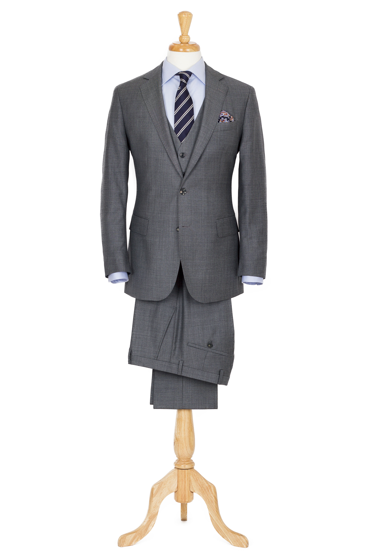 grey 3 piece suit styling