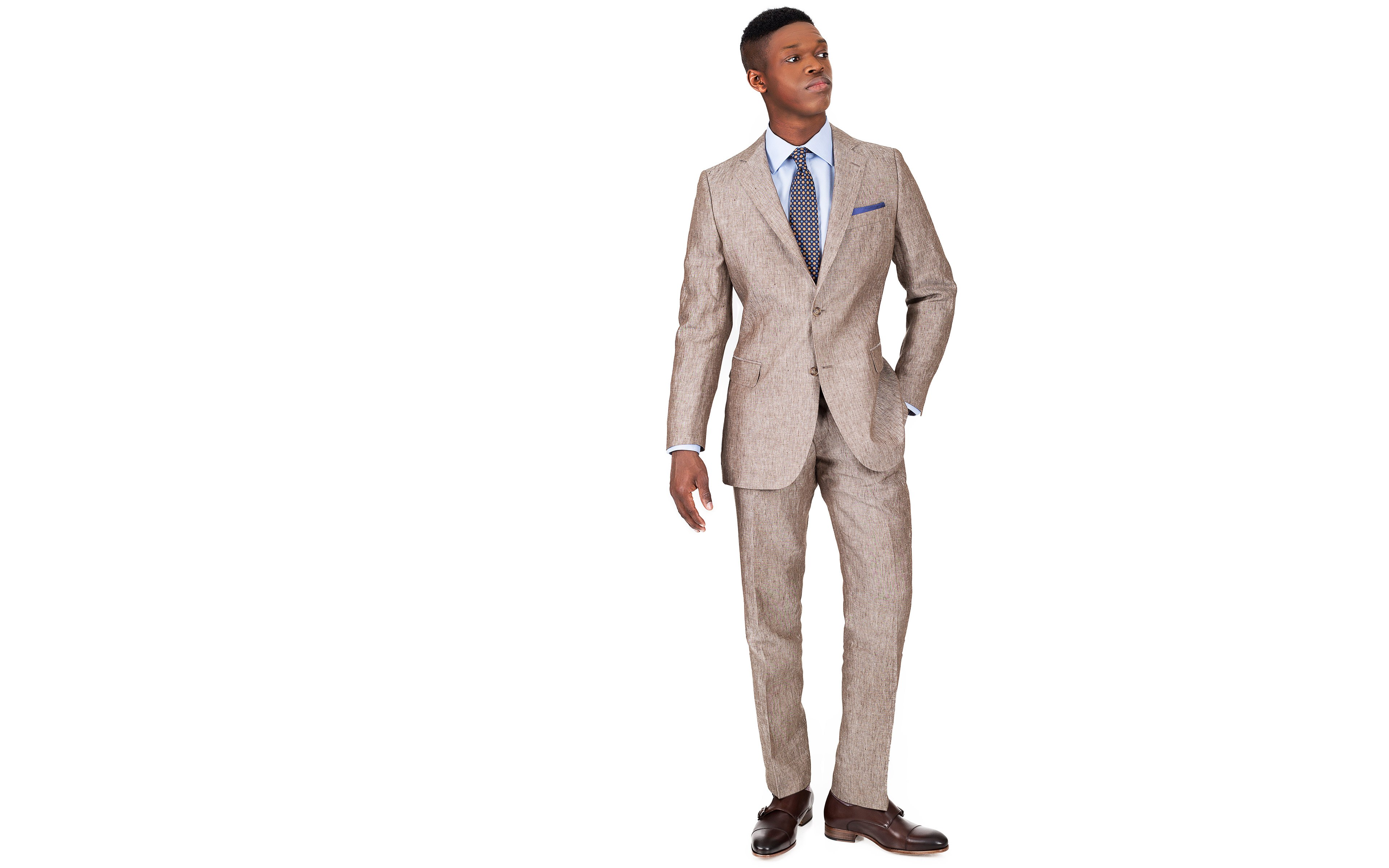 Suit in Khaki Linen