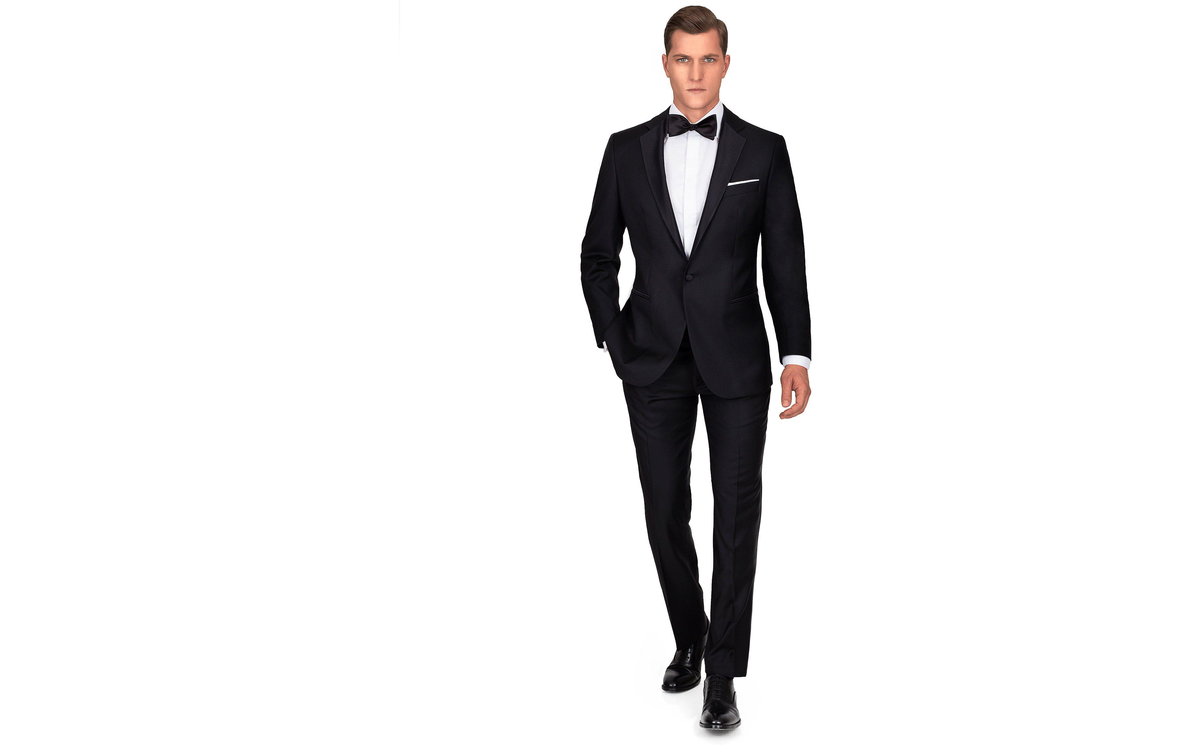 Tuxedo in Black Wool