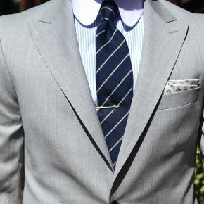 Men's Style Pro Light Grey Suit - thumbnail image 2