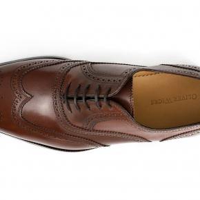Walnut Wingtip Oxford with a Rubber Sole - thumbnail image 2