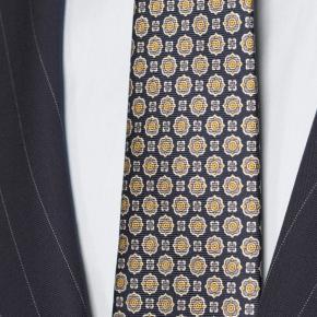 Vendetta Premium Navy Pinstripe Suit - thumbnail image 2
