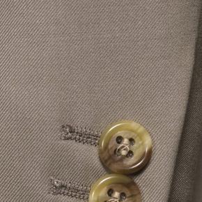Vendetta Premium Solid Light Camel Suit - thumbnail image 1