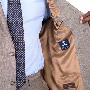 Suit in Khaki Linen - thumbnail image 2